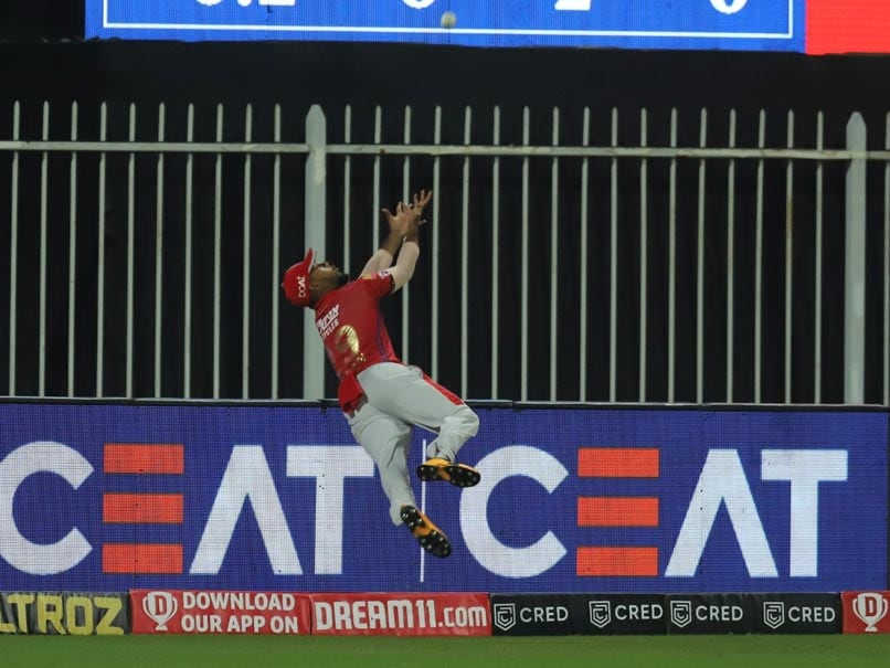 IPL 2020, RR vs KXIP: Nicholas Pooran Pulls Off Stunning Save On The Boundary. Watch