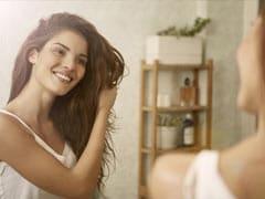 Winter Hair Care Tips: सर्दियों में बालों के झड़ने, रूखेपन और डैंड्रफ से छुटकारा पाने के लिए अपनाएं ये कारगर उपाय!