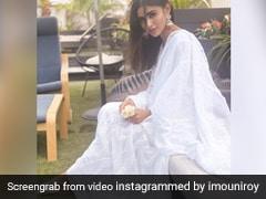 Mouni Roy के ट्रेडिशनल लुक ने जीता दिल, व्हाइट ड्रेस में दिखा एक्ट्रेस का खूबसूरत अंदाज- देखें Photos