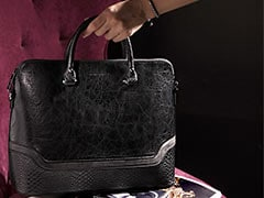 You May Not Believe Us But These Premium Handbags Are At Up To 70% Off