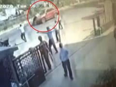 On Camera, Jaipur Cop Clings To Speeding Car's Bonnet for 2 km, Jumps Off