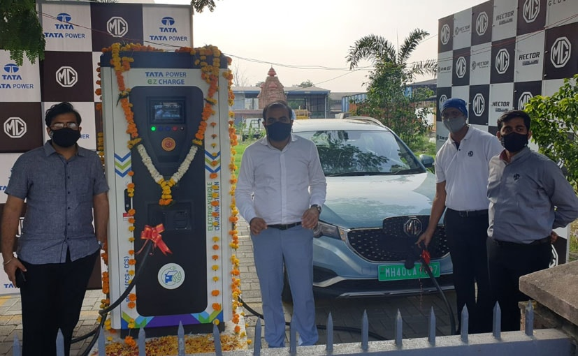 MG Motor India And Tata Power Employees at the inauguration of the charging station