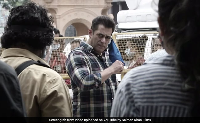Salman Khan Can Take Off His Mask On Radhe Sets Because Of Behind-The-Scenes 'Superheroes'