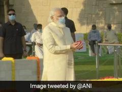 Gandhi Jayanti: PM मोदी ने राजघाट पर दी श्रद्धांजलि, कहा- बापू ने 'आत्मनिर्भर भारत' का सपना देखा था
