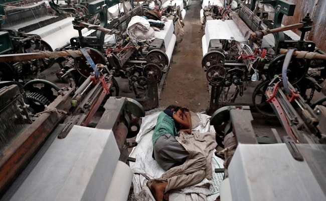 Photo of Garment Workers Cover Bosses' Lockdown Losses
