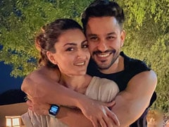 "Kareena Kapoor Couldn't Help But Agree With The ""Dictionary"" Bit In Kunal Kemmu's Birthday Wish For Soha Ali Khan"