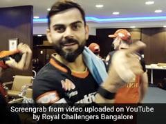 IPL 2020: विराट कोहली ने डिविलियर्स को कहा Alien, जीत के बाद हुई मोतीचूर के लड्डू की पार्टी - देखें Video