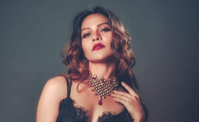 मॉडल सेजल शाह बॉलीवुड में करने जा रही हैं डेब्यू, ओटीटी पर रिलीज होगी पहली फिल्म