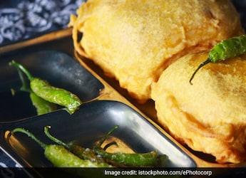 Harsh Goenka Shares Video Of Mumbai's Street Food Vendors, Calls It 'Ironic'