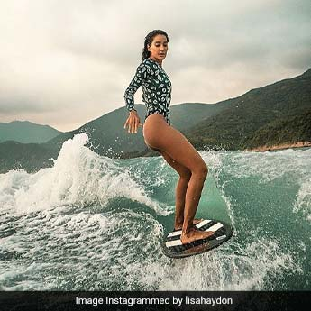 Gorgeous Surfer Lisa Haydon Has Us In A Holiday Mood Yet Again