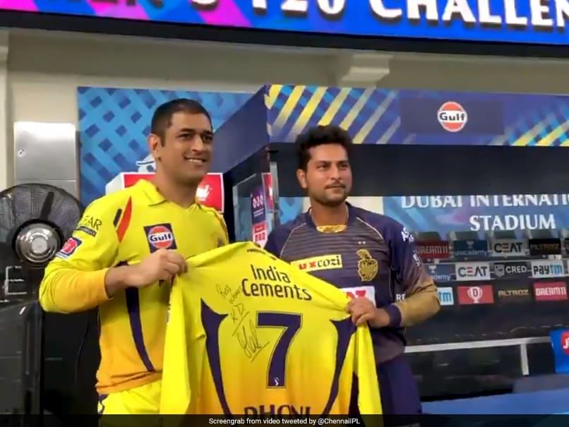 IPL 2020, CSK vs KKR: MS Dhoni Signs CSK Jersey For KKR Players, Ravindra Jadeja After Thrilling Win. Watch