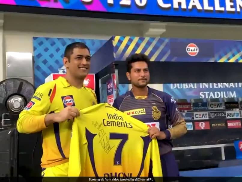 IPL 2020, CSK vs KKR: MS Dhoni Signs CSK Jersey For KKR Players, Ravindra Jadeja After Thrilling Win. Watch