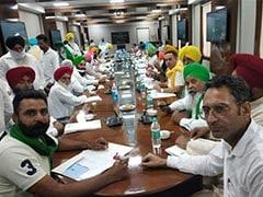 बैठक से नदारद थे कृषिमंत्री, तो किसान निकल आए बाहर, मंत्रालय से निकलते ही फाड़ीं बिल की कॉपियां