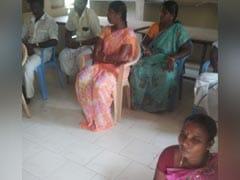 'जाति की वजह' से बैठक में महिला पंचायत नेता को जमीन पर बैठाया, जांच के आदेश