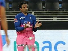 IPL 2020, RR vs KKR: Robin Uthappa Accidentally Applies Saliva On The Ball