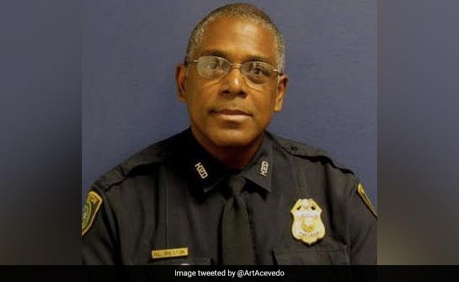 अमेरिकेतील शूटिंगच्या घटनेत 1 पोलिस अधिकारी ठार, 1 जखमी