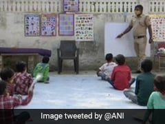 Delhi Police Constable Teaches Children Who Can't Afford Online Classes