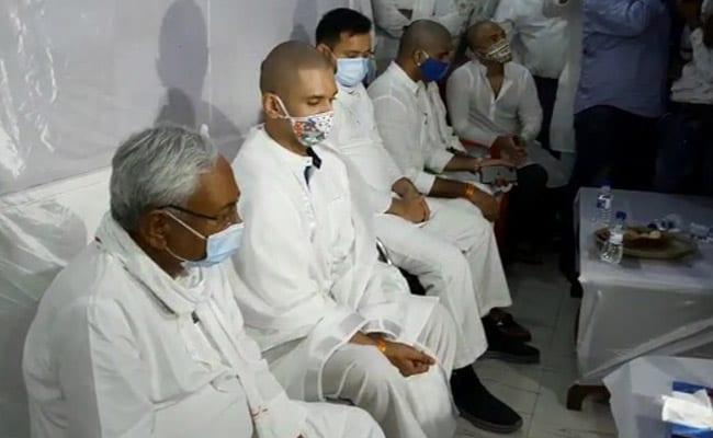 A Real Moment: Rivals Nitish Kumar, Chirag Paswan, Tejashwi Yadav Come Together - NDTV