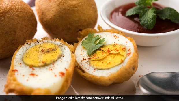 How To Make Spicy Egg Bonda: A South Indian Pakoda Recipe For Ideal Evening Snacking