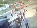 Video : On Camera, Jaipur Cop Clings To Speeding Car's Bonnet for 2 km, Jumps Off