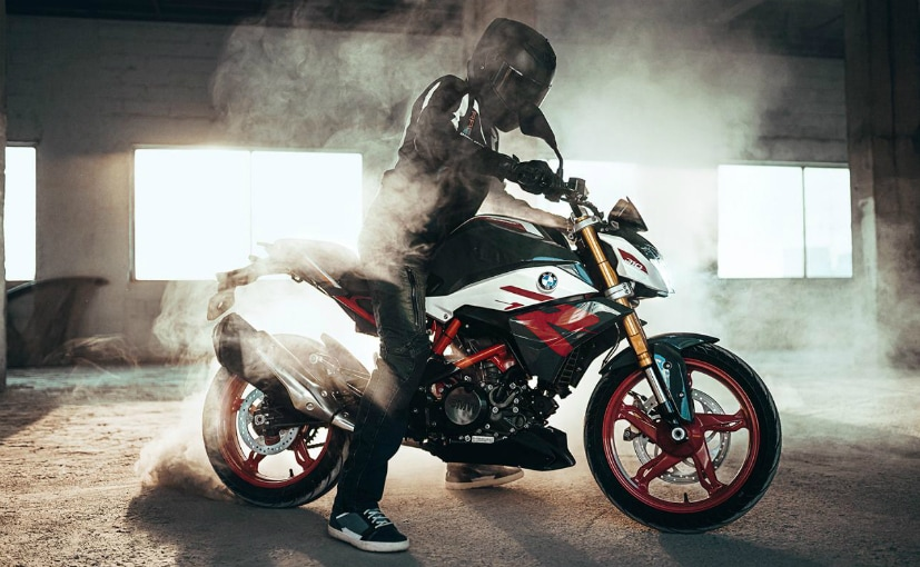 The 2021 BMW G 310 R was launched in India in October 2020 at a price of Rs. 2.45 lakh (ex-showroom)