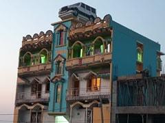 बिहार में 'Scorpio' को लेकर दिखी गजब दीवानगी, घर की छत पर खड़ी दिखी गाड़ी