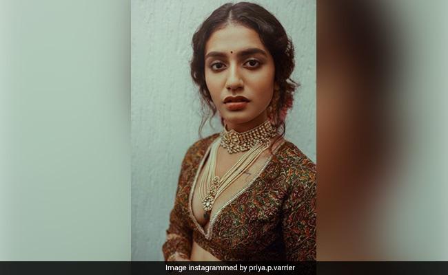 प्रिया प्रकाश वारियर लहंगा पहन 'लाल इश्क' गाने पर झमती आईं नजर, Video में दिखा जबरदस्त अंदाज