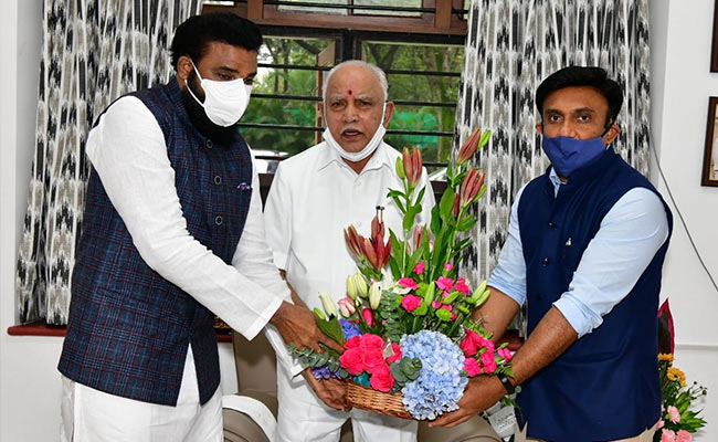 Amid Reports Of Rift, BS Yediyurappa Shares Photo With Cabinet Colleagues