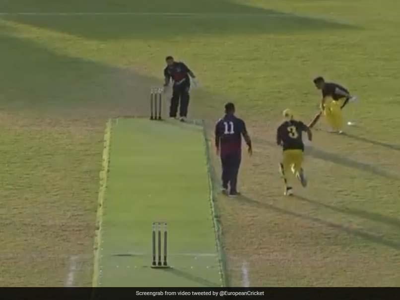 Batsmen Find Unique Way To Steal 2 Runs After Wicketkeeper Gets Ball. Watch