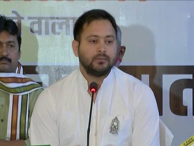 """Video : """"Who Asked You To Be General Dyer?"""" Tejashwi Yadav Condemns Munger Firing"""