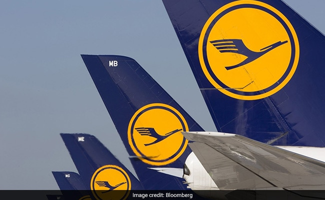 German Airline Lufthansa Opts For Gender-Neutral Plane Greeting