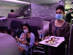 रेस्टोरेंट में बदला खड़ा विमान, ट्रेवल के शौकीन लोगों ने लिया लंच-डिनर का आनंद