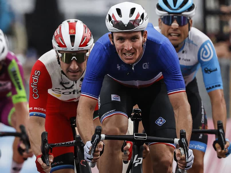 Arnaud Demare Wins Giro dItalia Photo-Finish As Geraint Thomas Heads Home