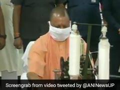 गांधी जयंती के मौके पर  CM योगी ने चलाया चरखा तो बॉलीवुड एक्ट्रेस का यूं आया रिएक्शन