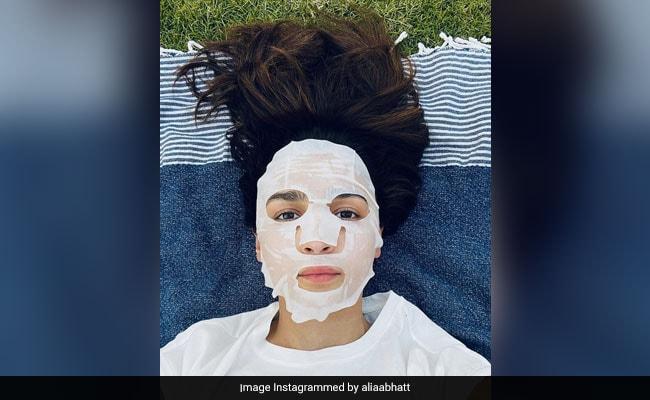 Alia Bhatt's 'Throwback To When Masks Were Skincare'