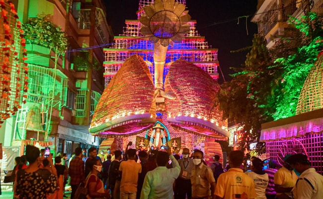 Vaccination Must For Priests, 'Dhakis' In Kolkata Housing Society Durga Pujas