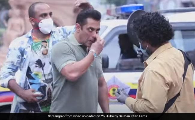 सलमान खान की फिल्म 'राधे' की शूटिंग दोबारा शुरू, जैकी श्रॉफ बोले- डायलॉग बोलने के लिए मास्क उतारना...देखें Video