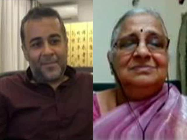 Video : The Art And Science Of Giving: Sudha Murty In Conversation With Chetan Bhagat