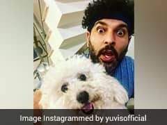 """""""Hope Your Dancing Videos Are In There"""": Yuvraj Pokes Fun At Warner"""