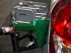 Oil Companies Leave Petrol, Diesel Rates Unchanged