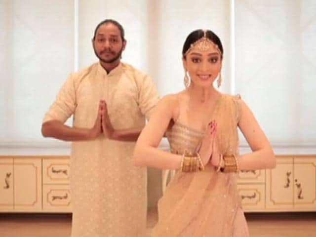 Video : Melvin Louis And Sandeepa Dhar Perform On The Banega Swasth India Anthem