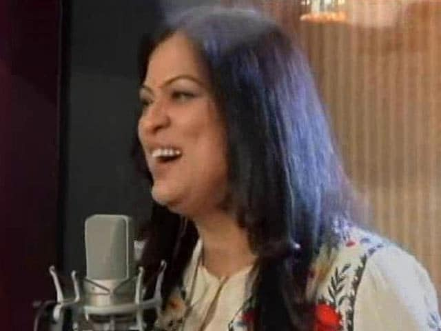 Video : Richa Sharma's Rendition Of <i>Mahi Way</i> At The #SwasthyaMantra Telethon
