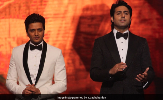 "Photo of Abhishek Bachchan And Riteish Deshmukh Have Planned An ""Unforgettable Night At Jalsa"" Post Pandemic. Details Here"