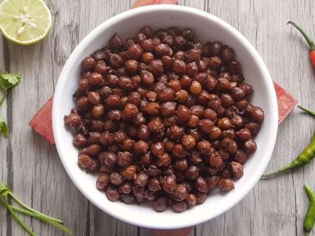 Video : How To Make Sukha Kala Chana   Easy Sukha Kala Chana Recipe Video