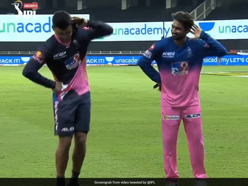 IPL 2020: Riyan Parag Teaches Groovy Bihu Dance Move To Rahul Tewatia After Rajasthan Royals Beat SunRisers Hyderabad. Watch