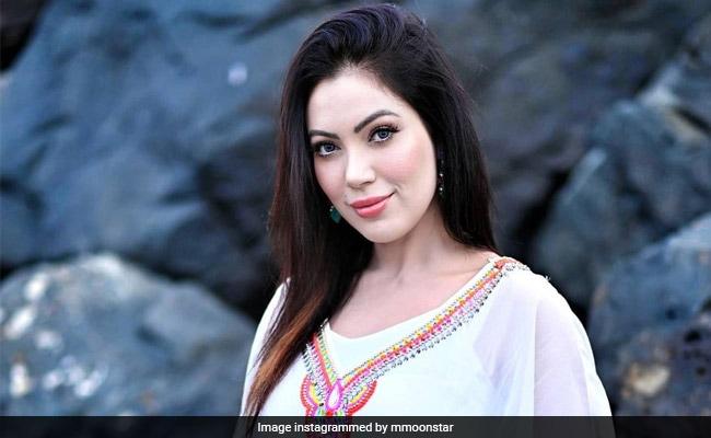 Taarak Mehta Ka Ooltah Chashmah की बबीताजी ने व्हाइट ड्रेस में करवाया ग्लैमरस फोटोशूट, Video हुआ वायरल