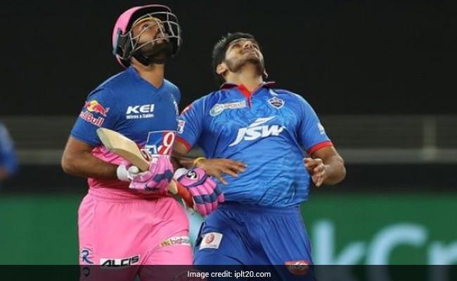IPL 2020: Shreyas Gopal ने धक्का मारकर Rahul Tewatia का कैच गिरवाया, सोशल मीडिया पर हुए ट्रोल-Video