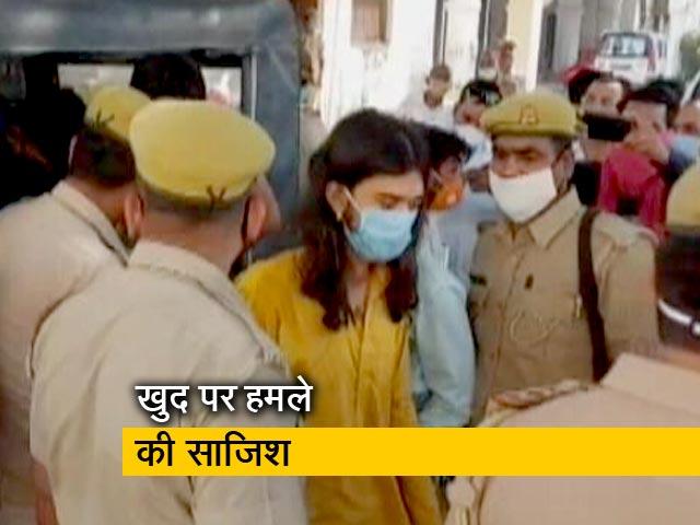 Videos : यूपी : मंदिर पर हमले की बात गलत, महंत-पुजारी ने रची थी साजिश