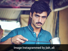 Remember Arshad Khan, The Viral <i>Chaiwala</i> From Pakistan? He Runs His Own Cafe Now