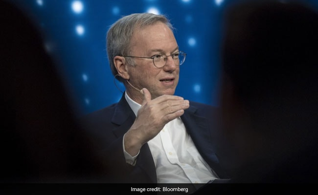 """Social Networks """"Amplifiers For Idiots And Crazy People"""": Ex-Google Boss"""